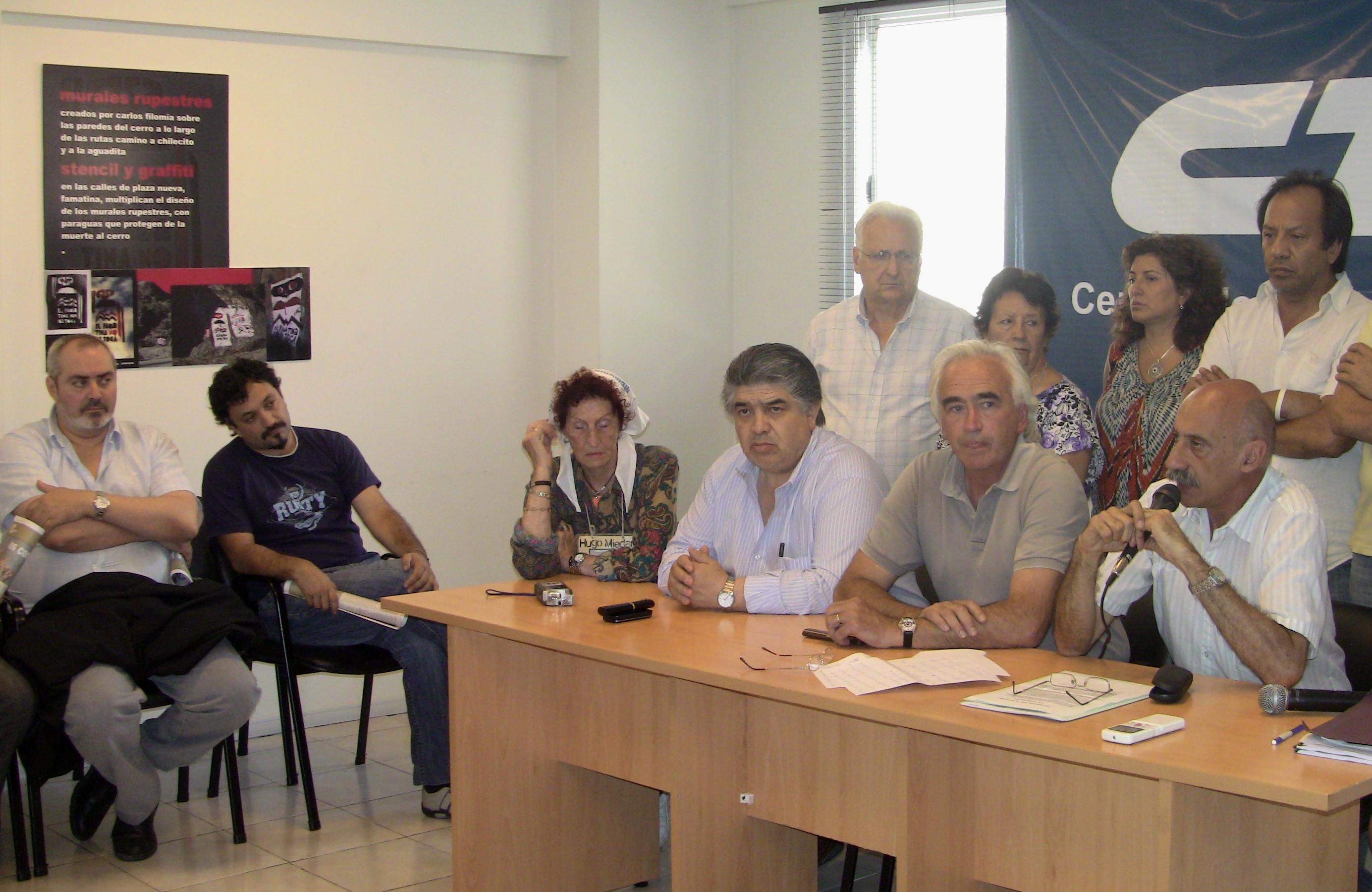 Vilma ripoll y el diputado alejandro bodart mst en proyecto sur participaron hoy en la conferencia de prensa en la cta nacional y ma ana estar n en la